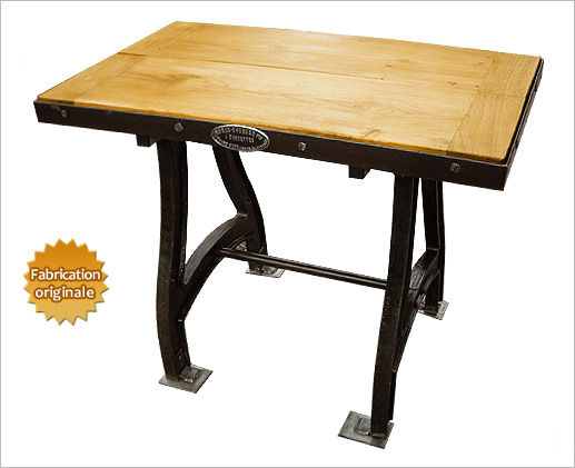 table-industriel-en-fonte-bois.jpg